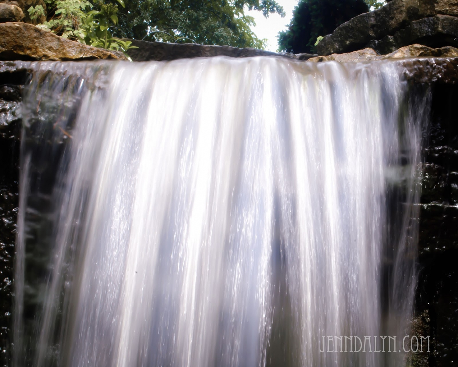 waterfall photo slow motion