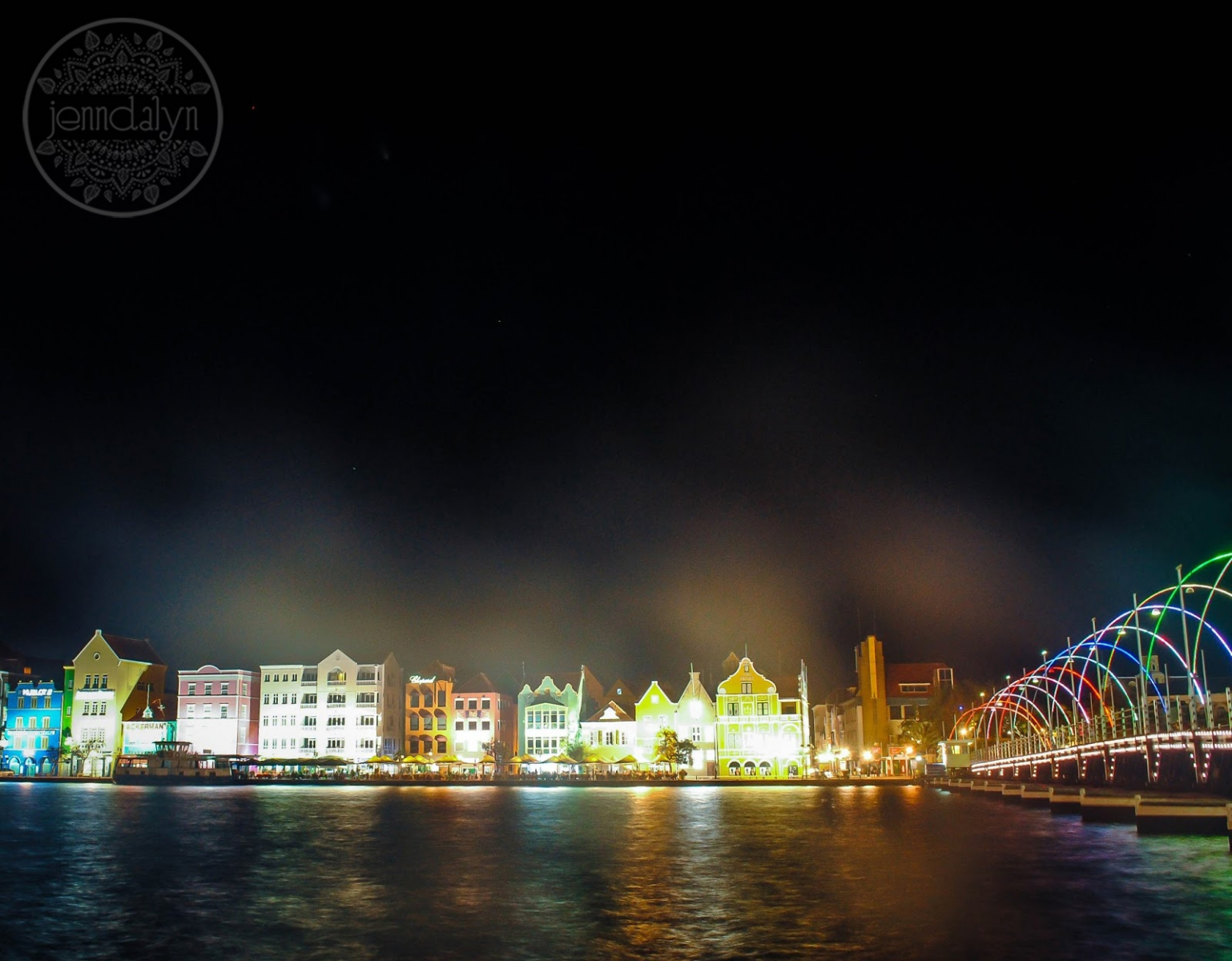 willemstad curacao at night
