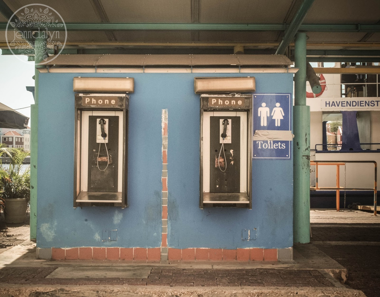 public pay phones willemstad